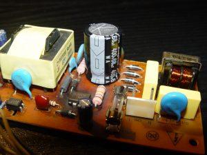 Le nouveau condensateur, de marque RubyCon !